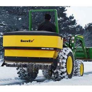 02 Sypací nástavby SnowEx pro traktory - válcové
